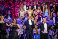 Andr-Rieu_-Magical-Maastricht-Verbonden-door-Muziek_st_7_jpg_sd-low_Credits-Andr-Rieu-Productions-Piece-of-Magic-Entertainment